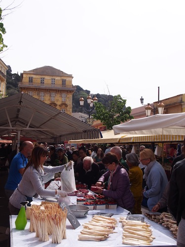 Marche Cours Saleya 4