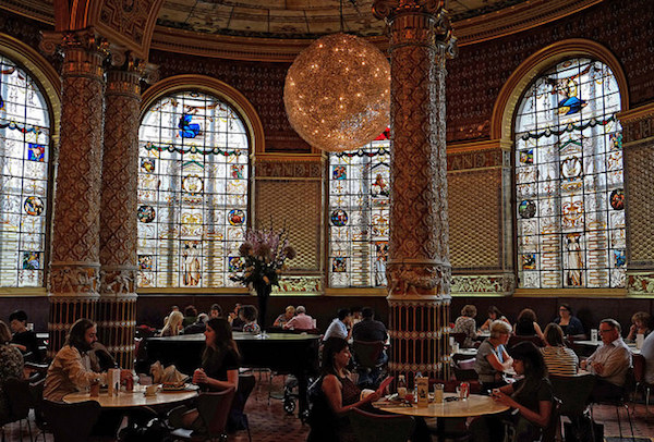The V&A Cafe(The Victoria and Albert Museum)の様子
