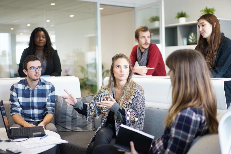 海外インターンで就労経験と人脈を作る