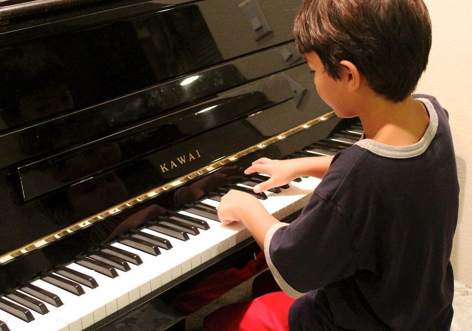 「ピアノ 子供」の画像検索結果