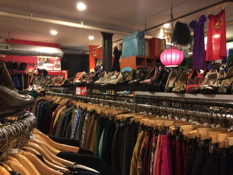 Monk vintage thrift shopの店内2